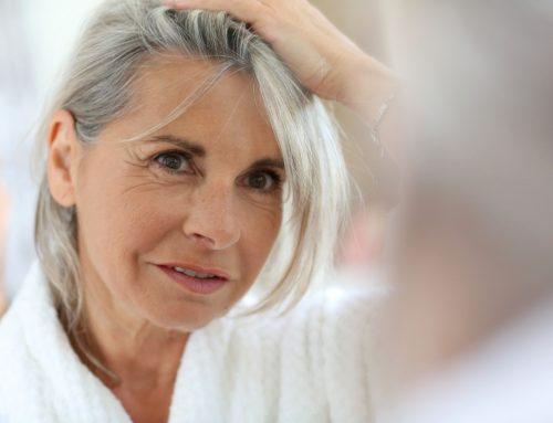 是什么导致更年期脱发?